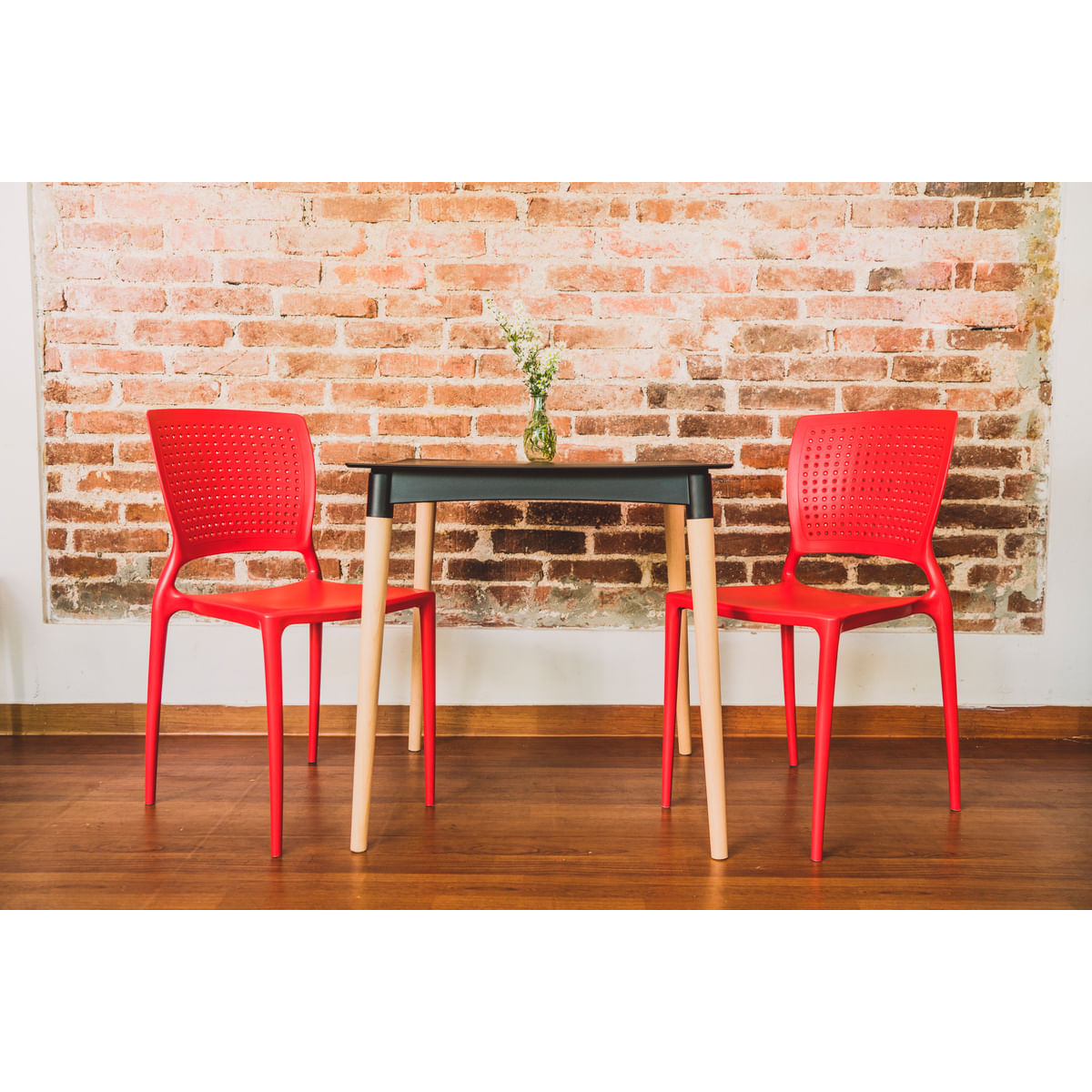 Cadeira Tramontina Safira Vermelha em Polipropileno e Fibra de Vidro
