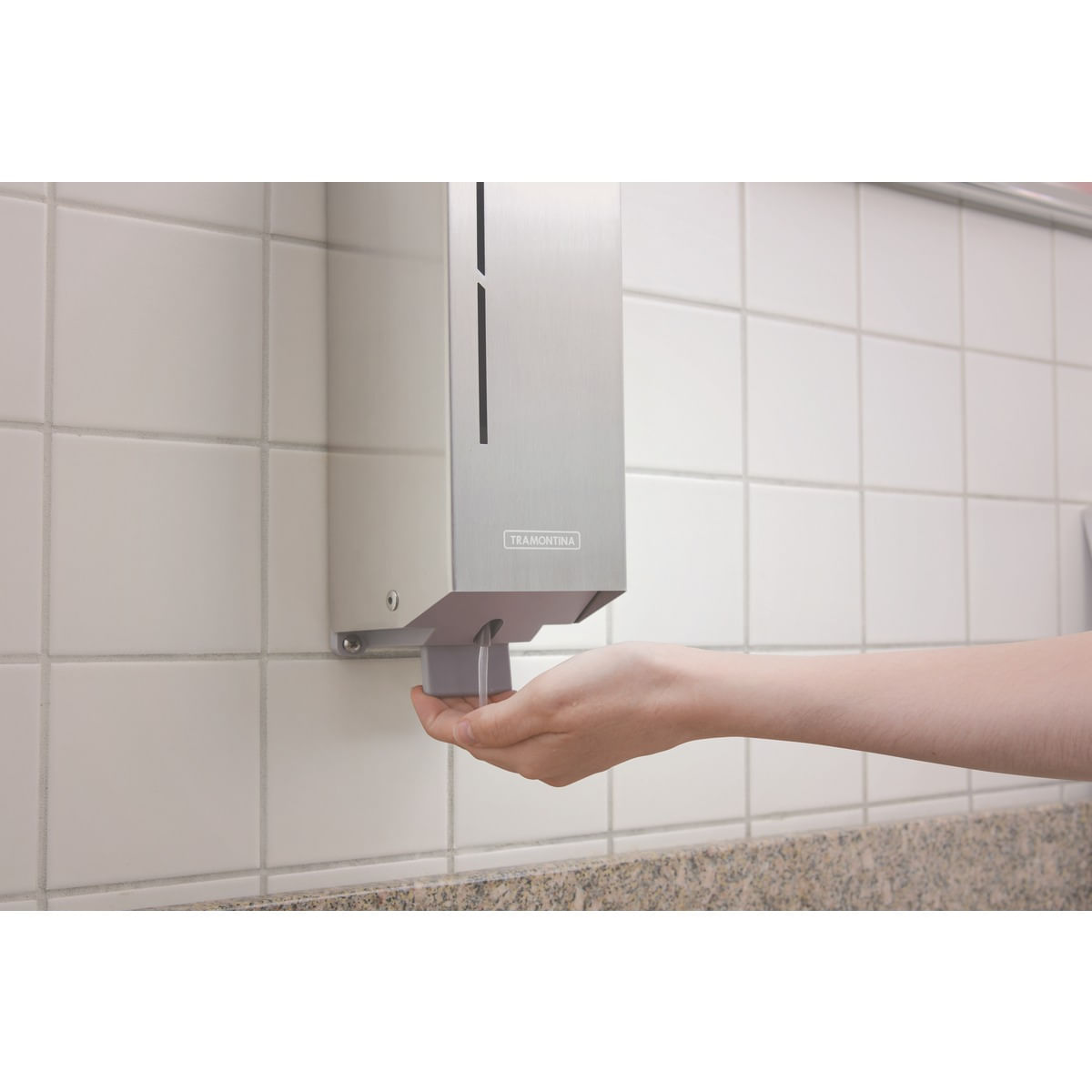 Dispenser para Sabão Líquido Tramontina em Aço Inox com Acabamento Scotch Brite e Recipiente em ABS